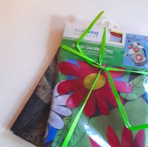 """Lot of 2 Small Garden Flags 12.5"""" x 18"""""""